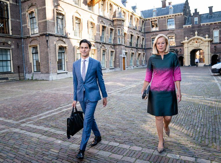 Rob Jetten (D66) en Sigrid Kaag (D66) bij aankomst voor een gesprek met informateur Mariëtte Hamer over de kabinetsformatie.  Beeld Hollandse Hoogte/ANP