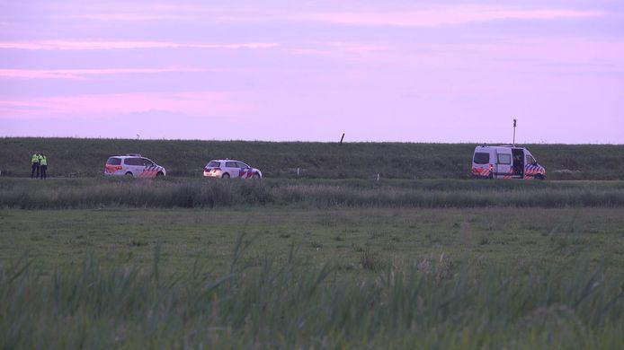 De tiener die vanochtend op de Zeedijk in Zuiderwoude vermoedelijk door een verkeersongeval om het leven kwam, is een 14-jarig meisje uit Marken (Noord-Holland).
