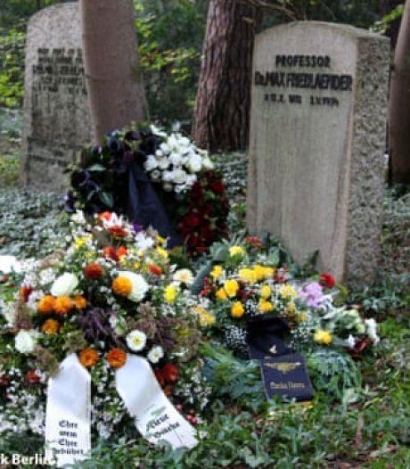 Grote verontwaardiging in Duitsland: beruchte neonazi begraven bij joods graf