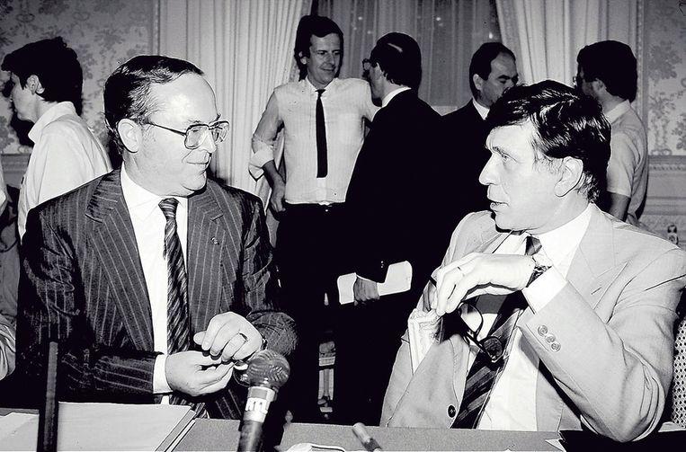 Wilfried Martens (l.) en Hugo Schiltz brachten België naar een federaal staatsbestel, maar verloren het radicale deel van hun kieskorps. Beeld photo news