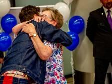 Duncans oma krijgt de knuffel waar ze zo lang op wachtte
