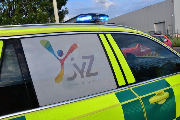 De MUG-wagen van het Jan Ypermanziekenhuis in Ieper snelde naar de plaats van het ongeval.