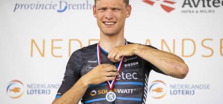 Sjoerd Bax uit Uppel tweede op NK wielrennen: 'En nu maar hopen op een profploeg'
