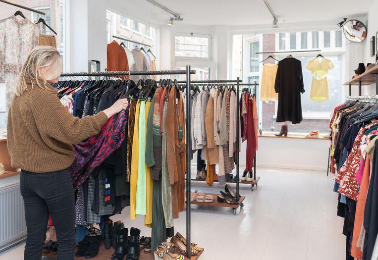 Kolifleur, high-end second hand clothing gallery. Beeld Nina Schollaardt