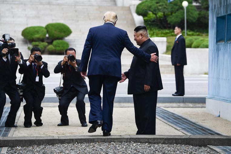 Tijdens zijn ontmoeting met Kim betrad Trump Noord-Koreaanse bodem, als eerste Amerikaanse president ooit. Beeld AFP