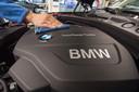 Recent moest BMW de productie in zijn fabriek in het Duitse Regensburg nog stilleggen door het tekort aan microchips.