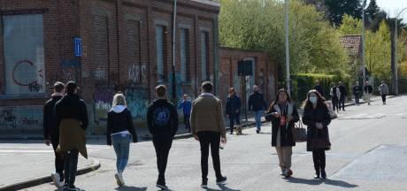 Drukte door toeristen in Belgisch 'spookdorp': politie sluit toegangsweg naar Doel af