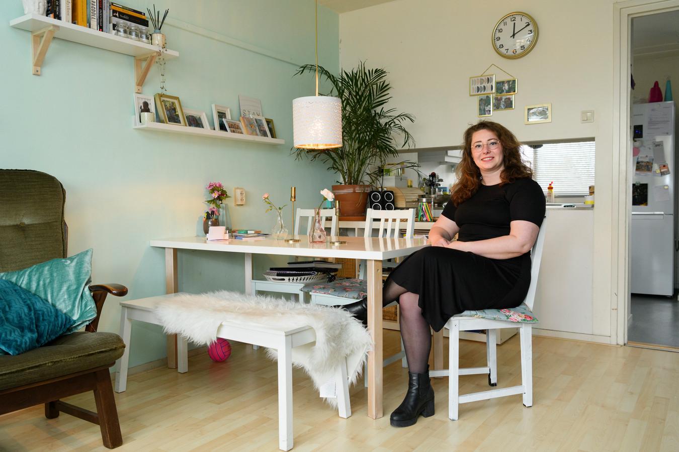 Wieteke Vrieling (28) woont met haar dochter in een prettig appartement van Studentenhuisvesting Nijmegen, maar moet daar binnenkort uit. Ze heeft geen idee waar ze dan kan gaan wonen.