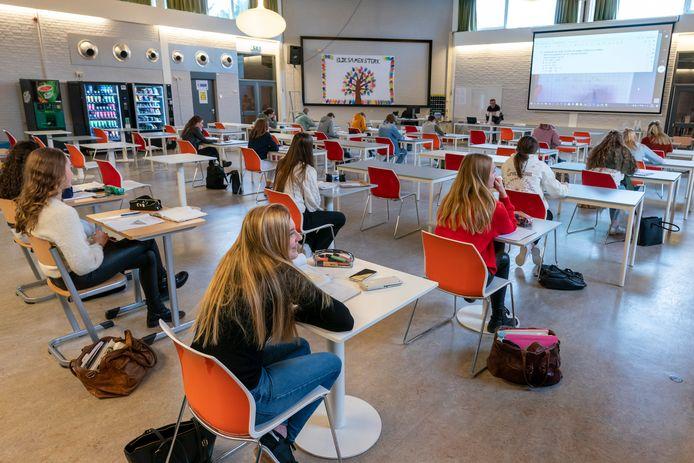 Het Elde College in Schijndel en Sint-Michielsgestel is blij met weer ruim 400 aanmeldingen voor het nieuwe schooljaar.