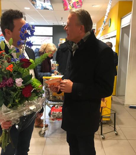 Bloemen voor Zevenaarse ondernemer:  'Als dank voor inzet voor samenleving'