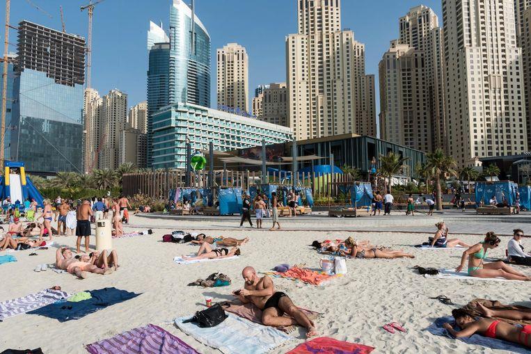 Dubai. 'Het lijkt wel alsof er alleen toeristen komen die vriendelijk zijn en rekening houden met elkaar.' Beeld HH