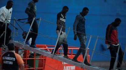 EU overweegt migrantencentra buiten de unie