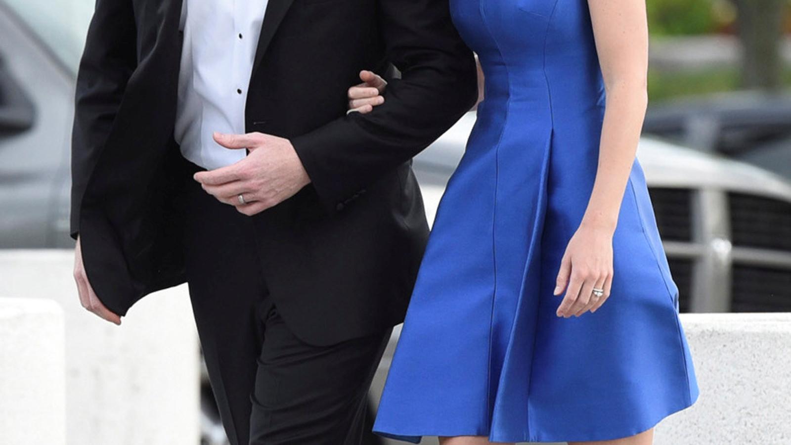 Joe Kennedy III met zijn vrouw Lauren Anne Birchfield. Zij hebben samen een dochter, Eleanor. REUTERS/Faith Ninivaggi