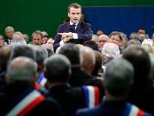 """""""Il y en a qui déconnent"""": nouvelle polémique pour Emmanuel Macron"""