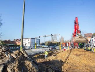Bouw van voetgangersbrug over A8 is van start gegaan