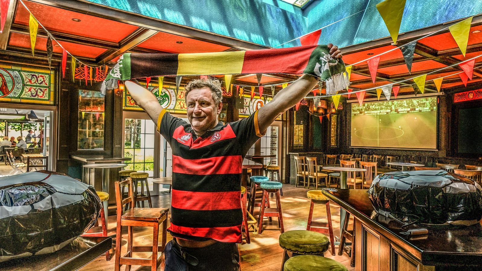 Justin Bedford in de Celtic Room van Mary's Irish Pub.