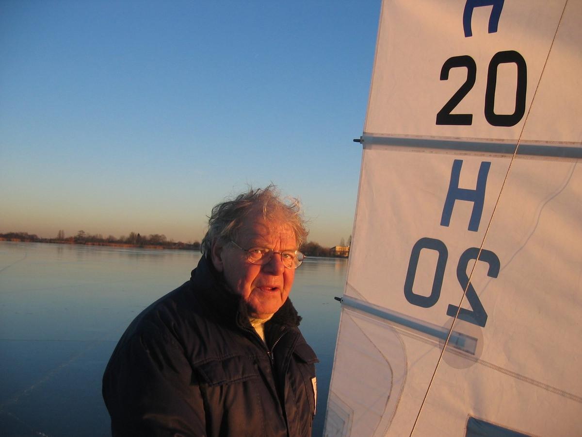Dré Veelenturf met zijn ijszeiler H20