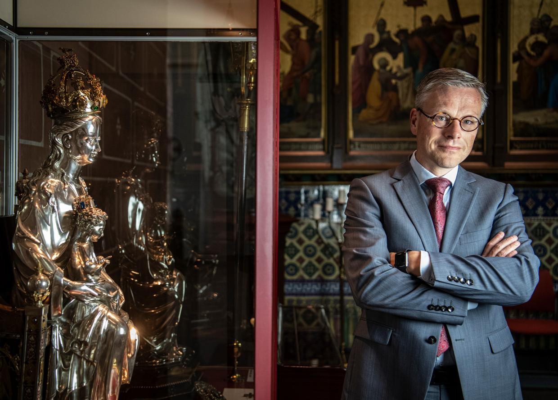 Theoloog Arnold Huijgen in de Basiliek Onze Lieve Vrouw ten Hemelopneming in Zwolle.
