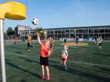 Almelose korfballers op zoek naar zichtlocatie in kinderrijke buurt: 'Op het Sportpark zitten we een beetje verstopt'