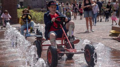 Ruim 800 kinderen verzamelen op Markt en Rode Heuvel op Buitenspeeldag