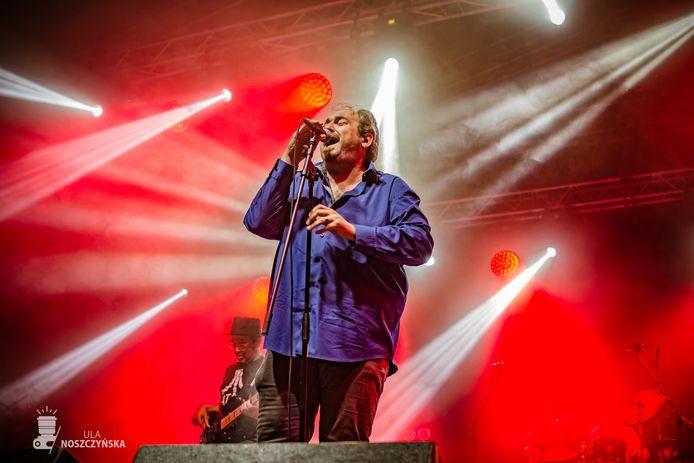 Zanger Nico De Cock (47) van The BluesBones