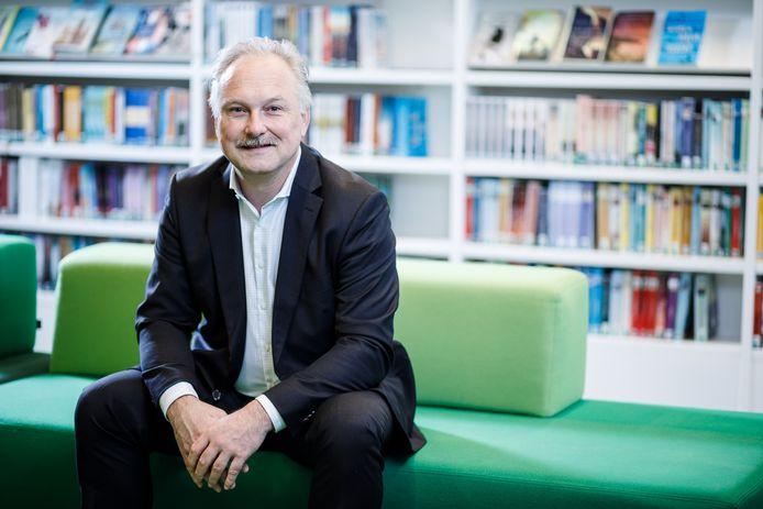 Albert Kivits, directeur van de Eindhovense bibliotheek
