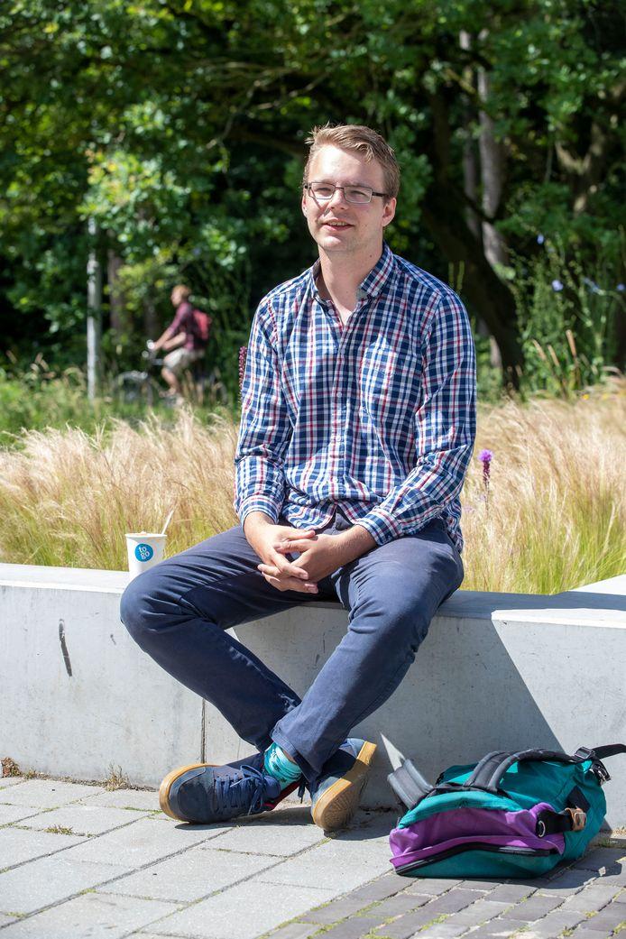 Walter Baas op de Campus Plaza in Wageningen