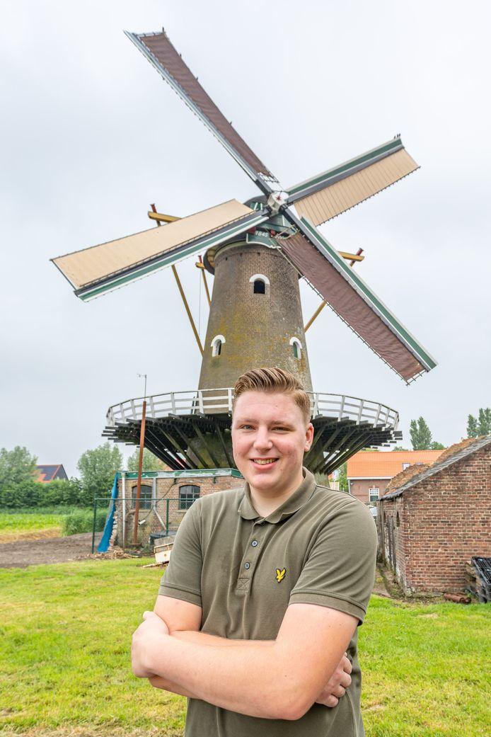 Coen Heijkoop bij De Oude Molen in Fijnaart.