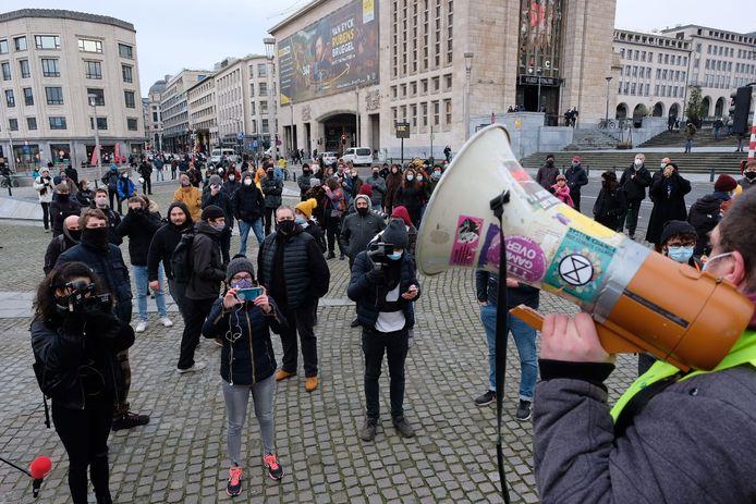 De betoging tegen 'Klassenjustitie' werd verboden, maar toch daagden er heel wat mensen op.