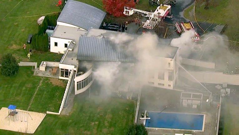 De brandweer had alle moeite om de brand onder controle te krijgen.