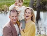 """Karl Vannieuwkerke en vriendin Caroline Vereenooghe over de liefde: """"Ik vraag af en toe om te trouwen. Ze heeft al meermaals 'nee' gezegd"""""""