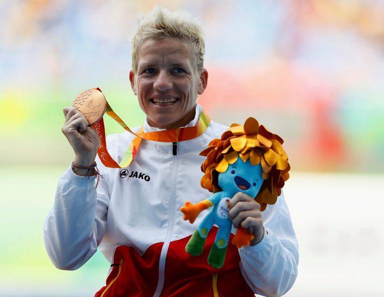 Met een gouden medaille op de Paralympics  in Rio de Janeiro. Beeld photo_news
