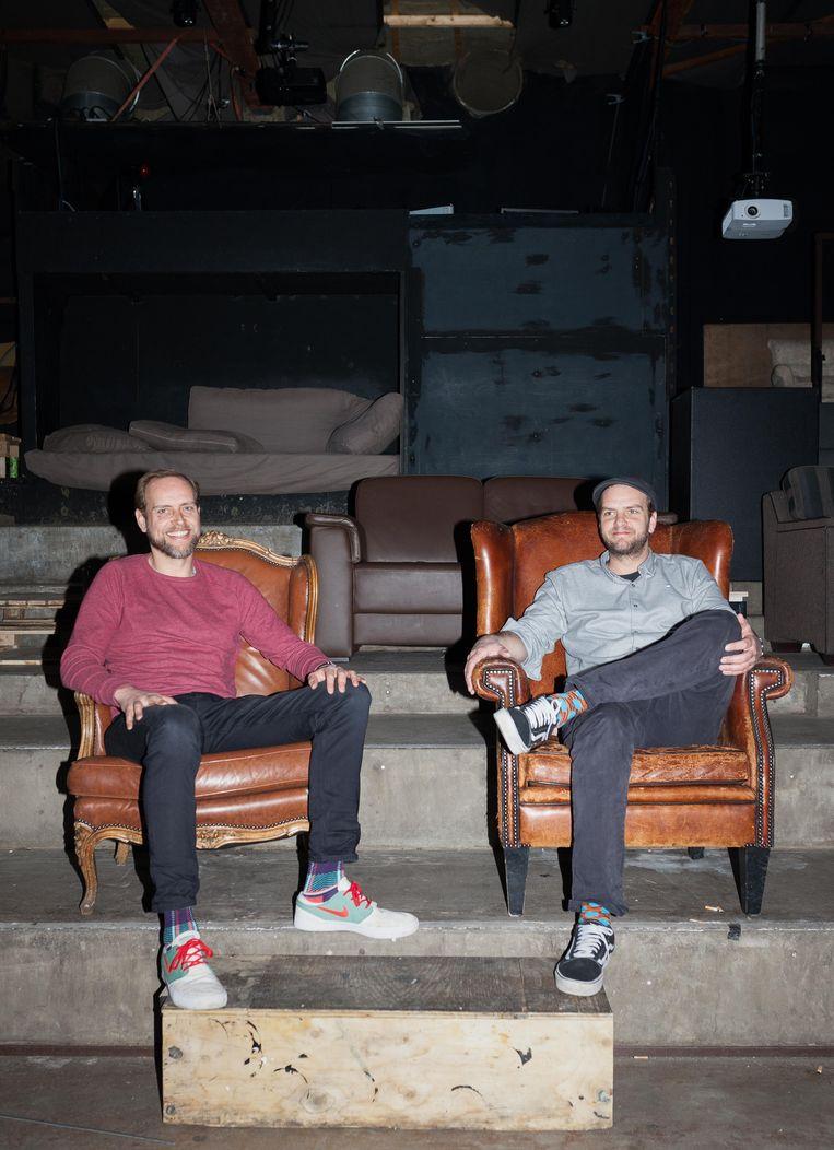 Frits Zanen (rode trui) en Cees Zanen (grijze bloes) in Radion. Beeld Nina Schollaardt