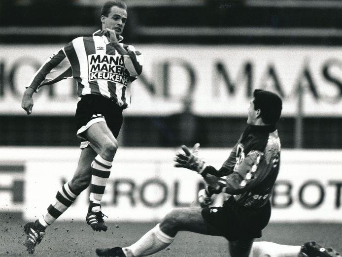 Marco Boogers (l) verdiende als speler van Sparta een transfer naar West Ham.