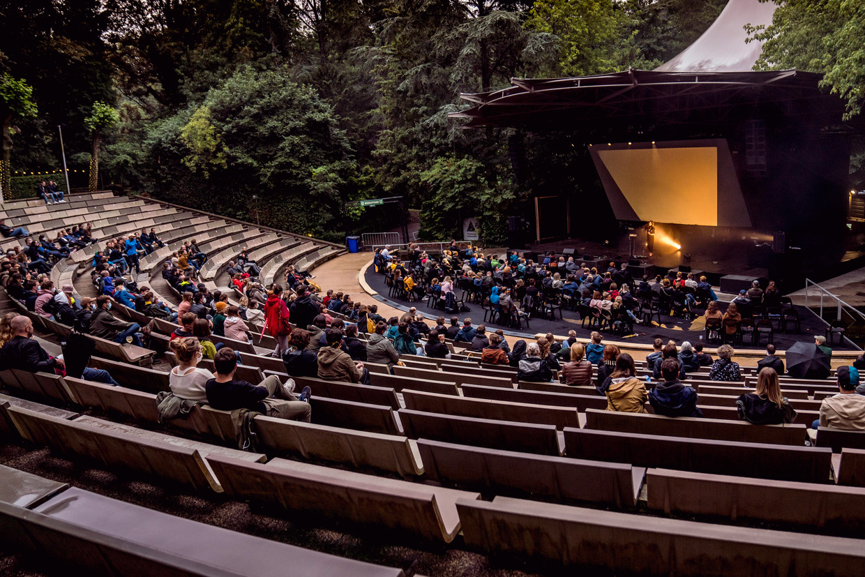 Eefje de Visser in OLT Rivierenhof, begin deze maand.Ook de kleinere concerten in het openluchttheater zullen nu niet meer kunnen doorgaan.
