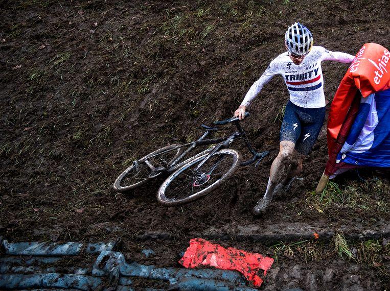 Engelsman Tom Pidcock ging lang aan de leiding. Hij werd uiteindelijk derde. Beeld Klaas Jan van der Weij / de Volkskrant