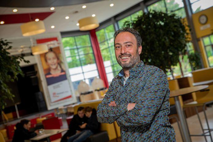 Zorgcoördinator Mark-Jan Verbruggen van het Maaswaal College: ,,We hebben met zijn allen gezorgd voor een samenleving die enorm gehaast is.''