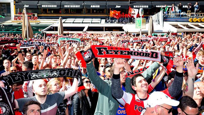 Uitbundig Feyenoordfeest in Rotterdam.