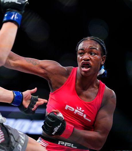 Bokskampioen Claressa Shields slaat bij MMA-debuut meteen tegenstander knock-out