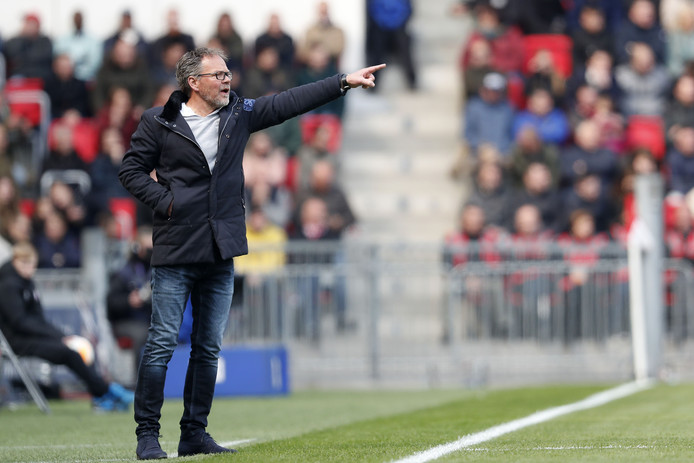 2019-04-14 13:30:11 De Graafschap coach Henk de Jong during the Dutch Eredivisie match between PSV Eindhoven and De Graafschap Doetinchem at the Phillips stadium on April 14, 2019 in Eindhoven, The Netherlands ANP/VI IMAGES