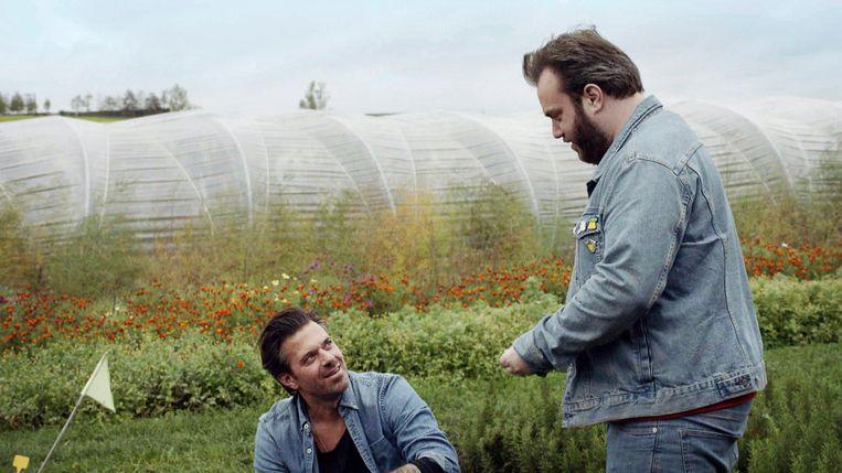 Sergio Herman en Jens Dendoncker in de eerste aflevering van 'La Mamma'. Beeld VTM