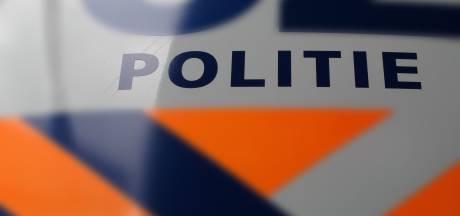 Tholenaar van huishoudtrap geslagen, verdachte (21) aangehouden