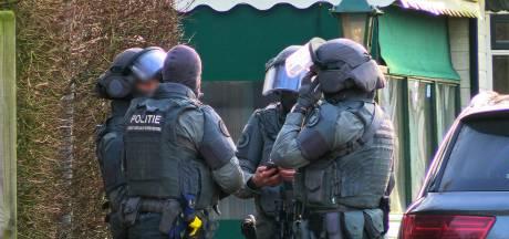 Politie heeft 'gevaarlijke situatie' op camping in Enschede onder controle, één persoon aangehouden
