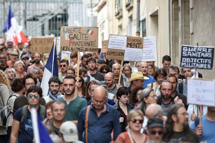 A 18H00, le ministère de l'Intérieur avait recensé 80.000 manifestants, dont 6.100 à Paris, contre 121.000 manifestants samedi dernier et 140.000 la semaine précédente. Ils étaient 237.000 participants le 7 août.