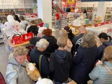 Een uur in de rij voor zachte knuffels, Japans snoepgoed en een goodiebag