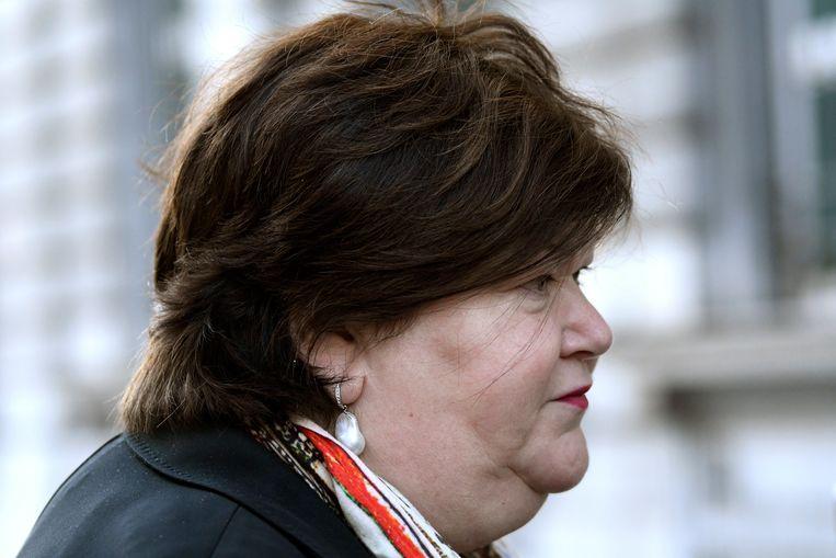 Minister Maggie De Block wil burn-out aanpakken als een werkgerelateerde ziekte. Beeld Photo News