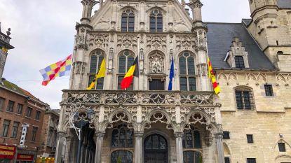 Vlaggen halfstok voor vermoorde burgemeester Gdansk
