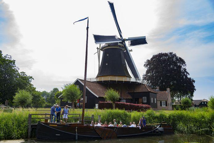 De Enterse Zomp Regt door Zee, hier bij de aanlegsteiger voor de Pelmolen, krijgt een opvolger.