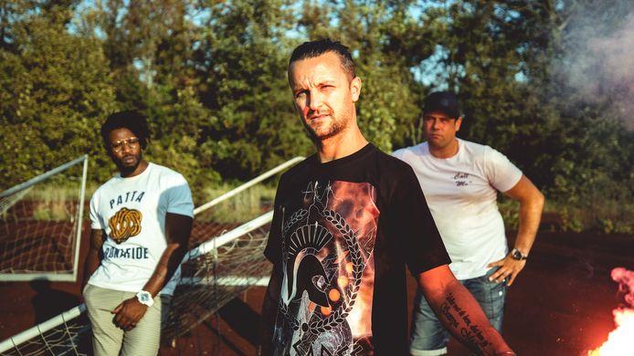 De Hobbyisten: Donald Joosse (zang, trompet), Kevin van Gorkom (zang) en Hugo van Rooijen (toetsen).