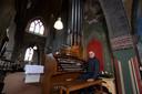 Door zijn veelheid aan registers is het elektromechanische orgel met drie klavieren een perfect concertinstrument, aldus Wil Hoogstraten.